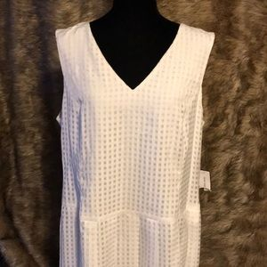 NWT pleated sleeveless dress